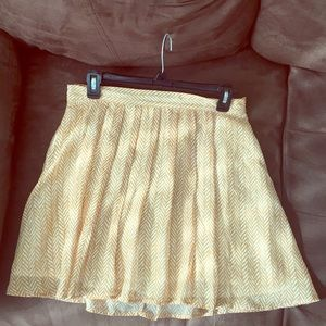 Small, Old navy, amber and white patterned skirt